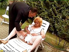 mature woman gets it in outdoors