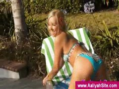 Aaliyah is enjoying the sun with bikini