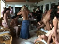 Hawt summer party with an orgy of sucking and fucking