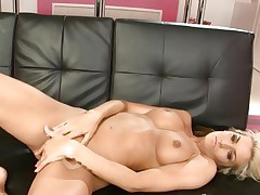 Hottie Natasha Marley torments her juicy wet clit