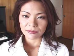 Watch this Japanese MILF take off her pantyhose and masturbate