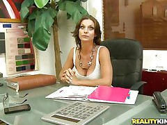 brunette hair milf got seduced into a good fuck