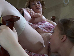 Flo&Alana pussyloving older on movie