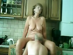 My mom and daddy fucking in our kitchen !!!