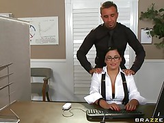 sexy dark brown gets her pussy licked
