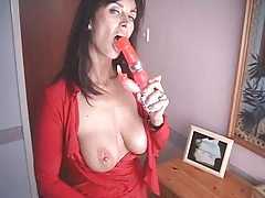British MILF copulates herself with a pair of high heeled shoes