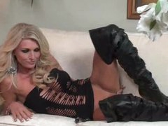 Irresistible blond in leather boots toys solo