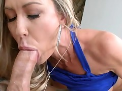 Sweet darling pounds her cookie with hard sex toy